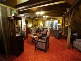 Ekesparre Residence Hotel Курессааре - Лобби