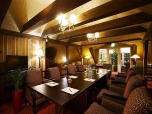 Ekesparre Residence Hotel Курессааре - Комната для переговоров