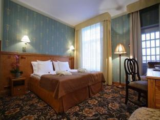 Ekesparre Residence Hotel Kuressaare - Bilik Tetamu