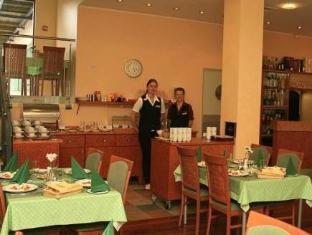 Kuressaare Linnahotell קורסארה - מסעדה