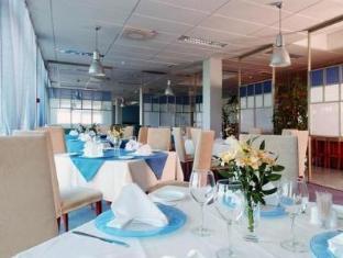 Spa Hotel Meri كوريسار - المطعم