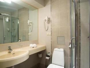 Hotel Rocca al Mare تالين - حمام