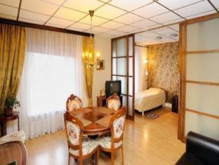 Romeo Family Apartments טלין - סוויטה