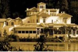 Chateau De Brindos Hotel