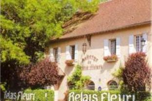 Logis Le Relais Fleuri Hotel