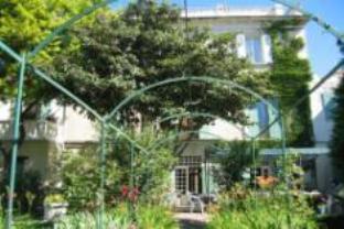 Au Saint Roch Hotel Et Jardin