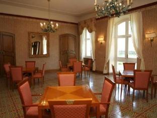 Chateau L Arc Hotel Fuveau - Interior