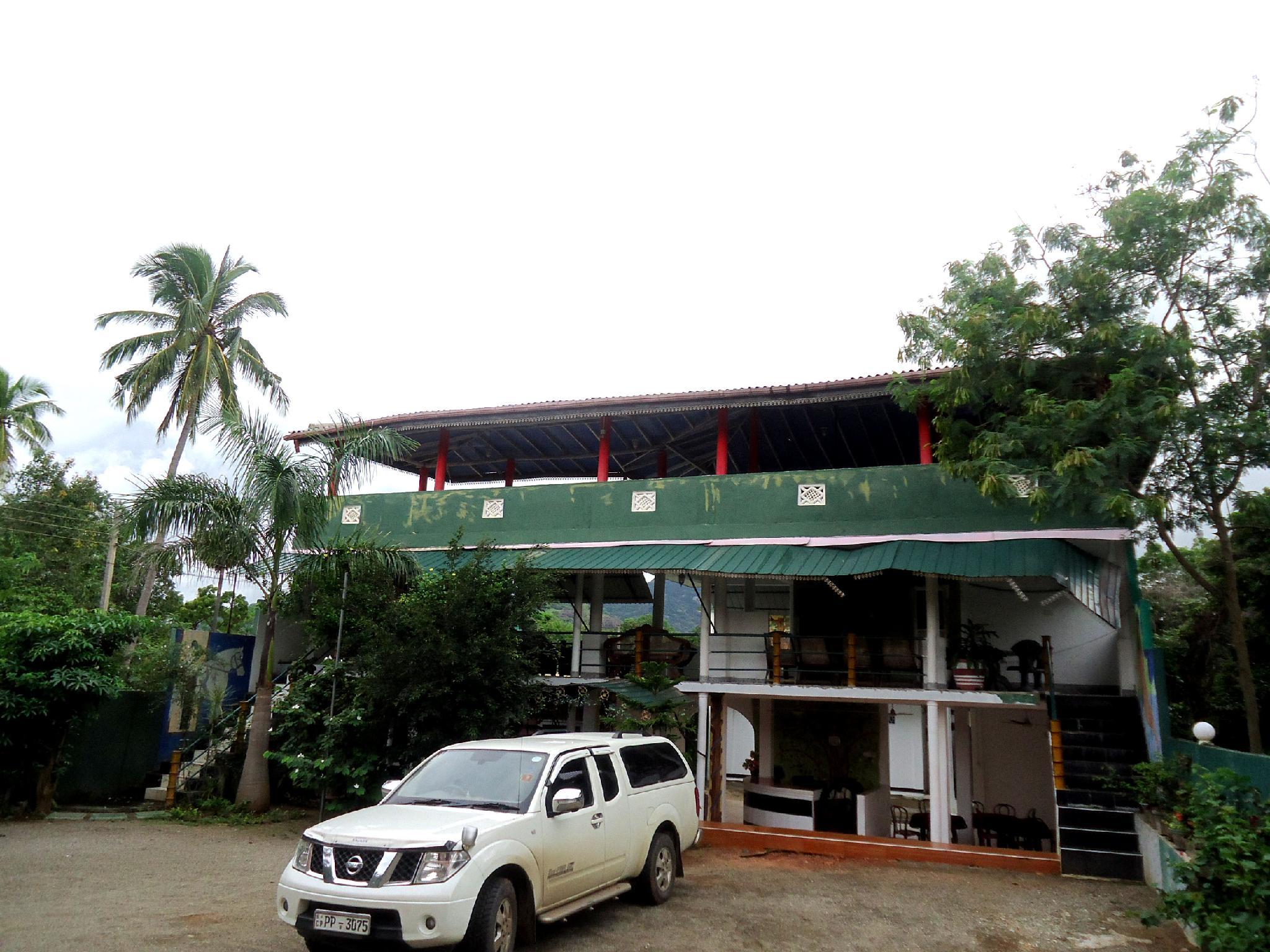 Kandalama Gate Hotel - Hotels and Accommodation in Sri Lanka, Asia