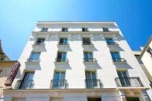 Hôtel De La Perdrix Rouge - Hotell och Boende i Frankrike i Europa
