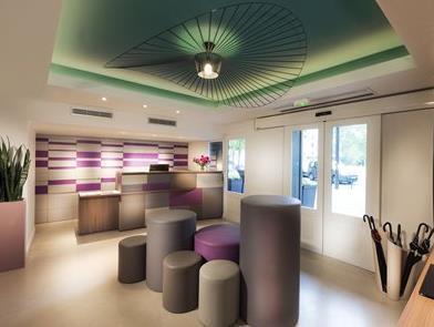Quality Hotel Acanthe Boulogne Billancourt - Hotell och Boende i Frankrike i Europa