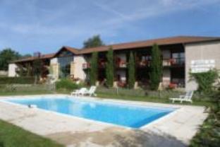 Logis Hotel Du Domaine De Champlong