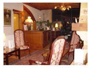 Logis Hotel Du Domaine De Champlong Villerest - Nội thất khách sạn