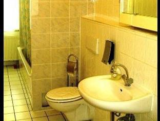 Hotel-Pension-Grand Berlín - Baño