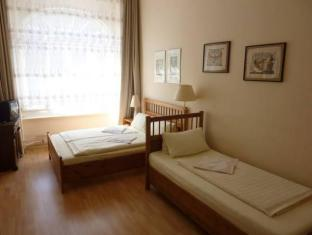 Hotel-Pension Waizenegger Berlin - Gästrum