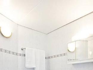 Hotel Amadeus am Kurfuerstendamm Berlín - Koupelna