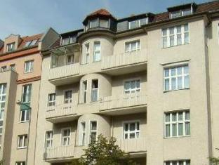 Hotelpension Margrit Berlin - Utsiden av hotellet