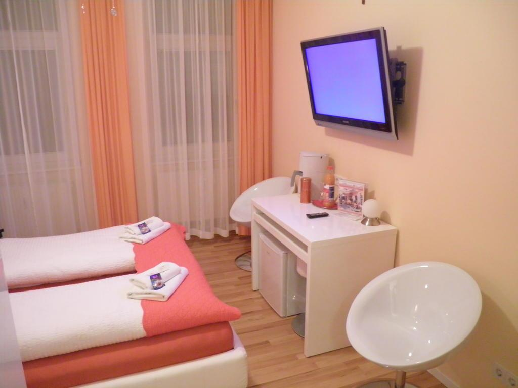 City Guesthouse Pension Berlin - Hotell och Boende i Tyskland i Europa