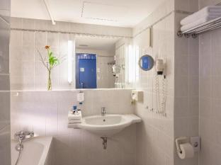 Dorint Airport-Hotel Berlin-Tegel Berlin - Bathroom