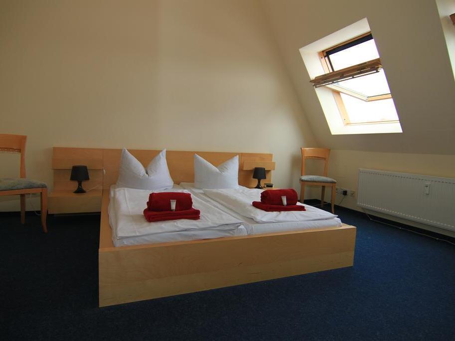 Hotel Comenius Berlin - Exterior