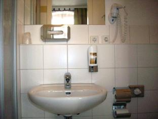 Hotel Amelie Berlin West Berlin - Bathroom