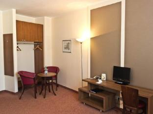 Ivbergs Hotel Berlin Messe Berlin - Guest Room