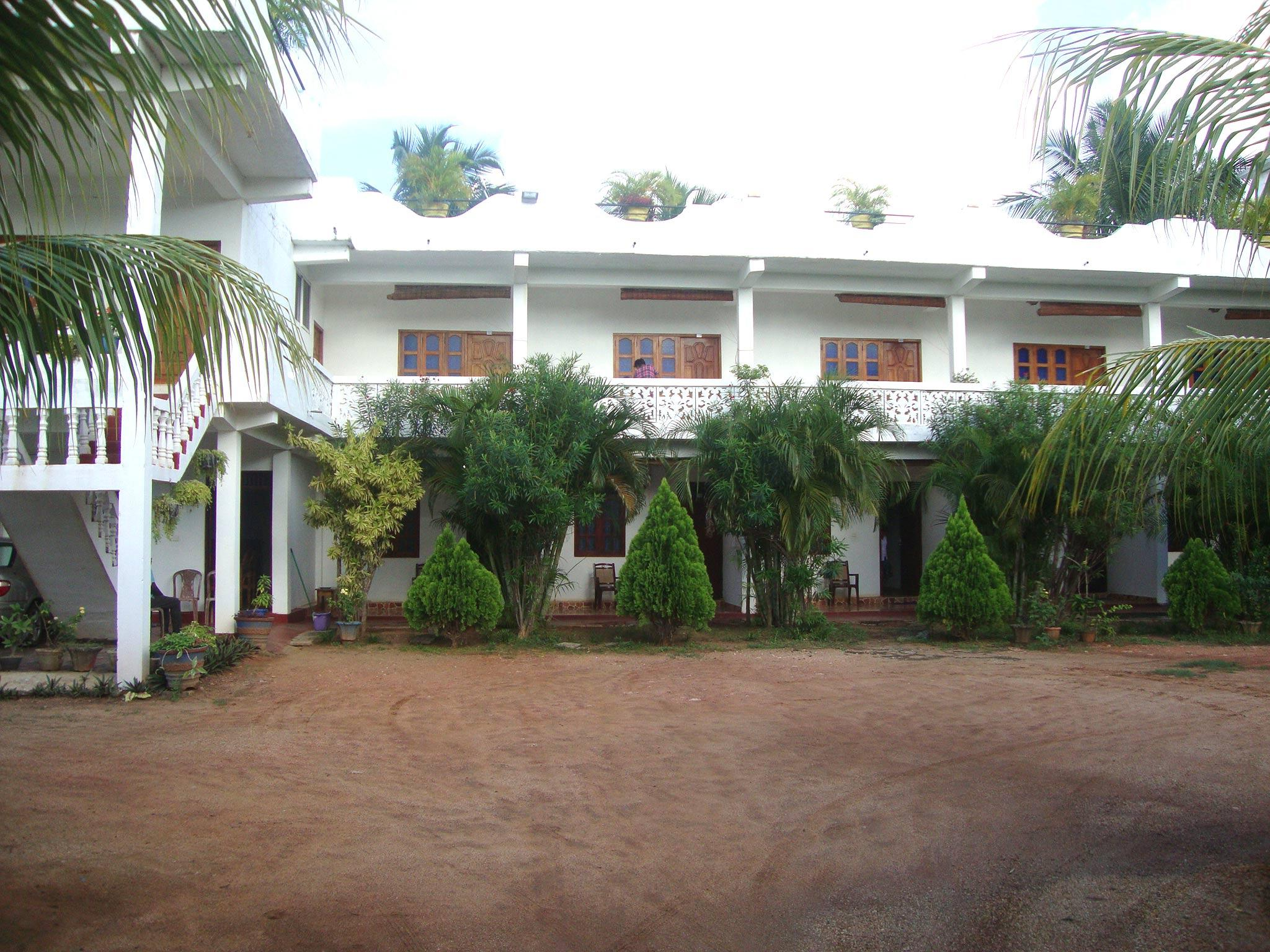 Nillas Guest Nilaveli - Hotels and Accommodation in Sri Lanka, Asia