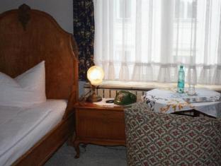 Hotel Pension Columbus ברלין - חדר שינה