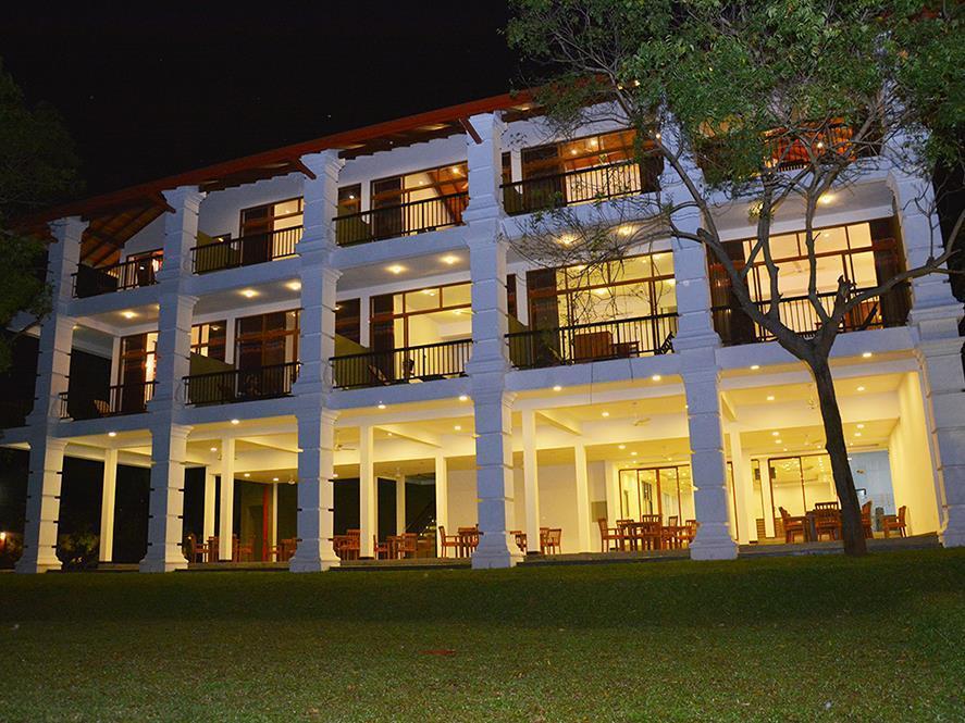 Diya Dahara Resort - Hotels and Accommodation in Sri Lanka, Asia