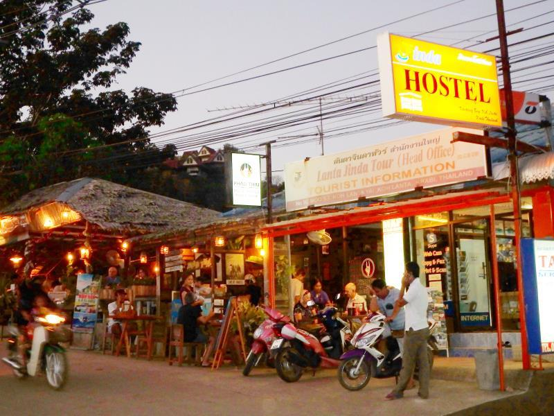 Jinda Hostel - Hotels and Accommodation in Thailand, Asia