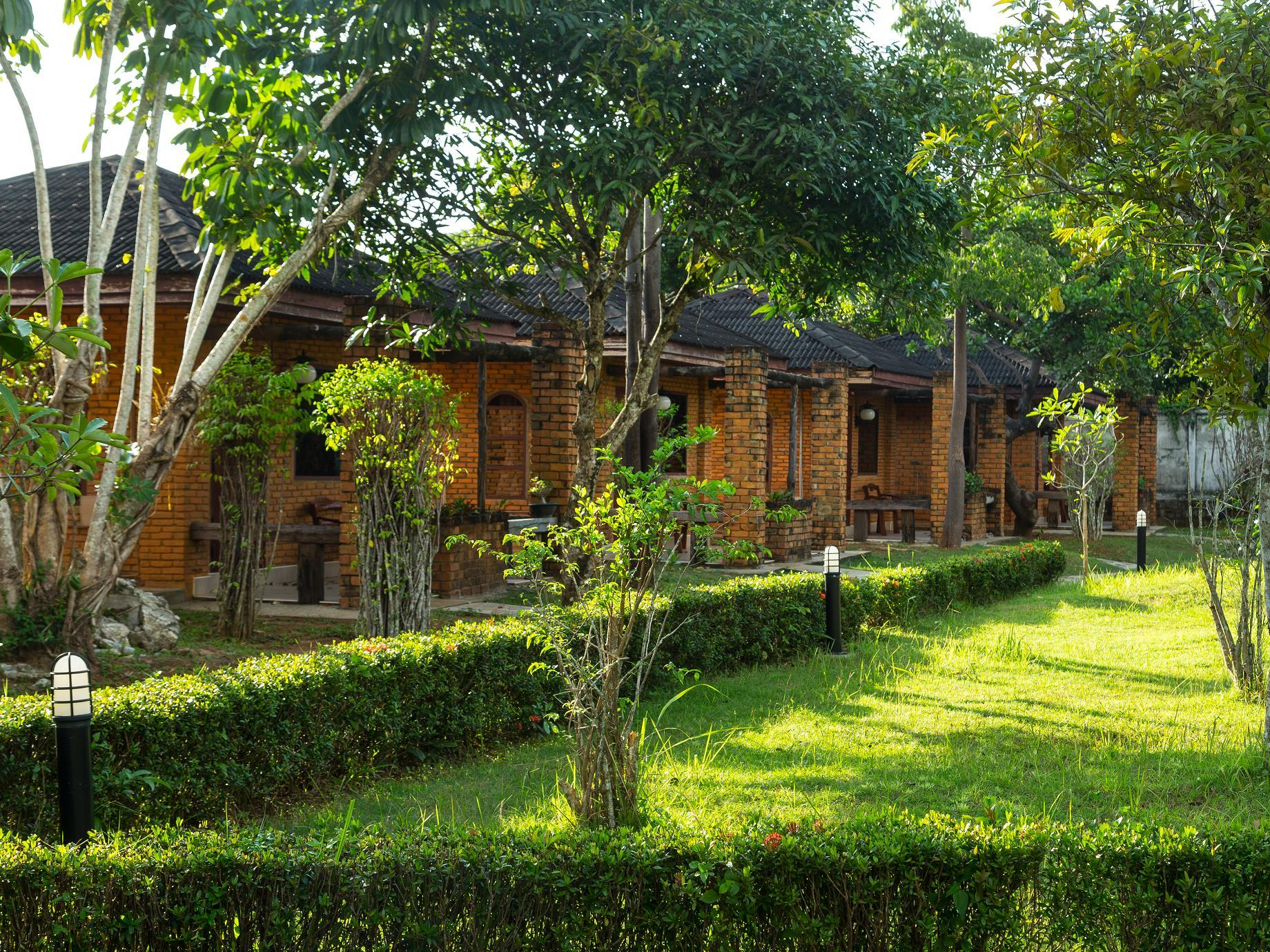Raks Thai Resort - Hotels and Accommodation in Thailand, Asia