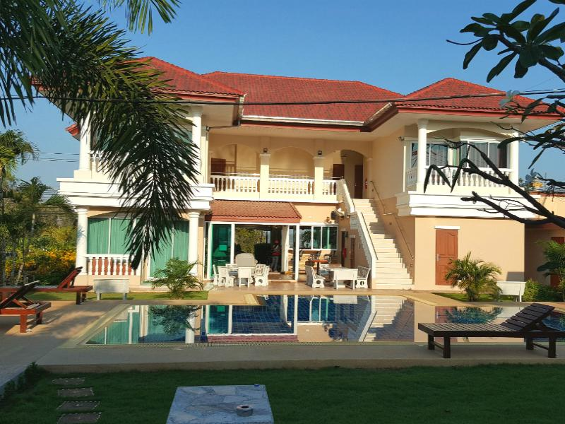 East Shore Pattaya Resort - Hotels and Accommodation in Thailand, Asia