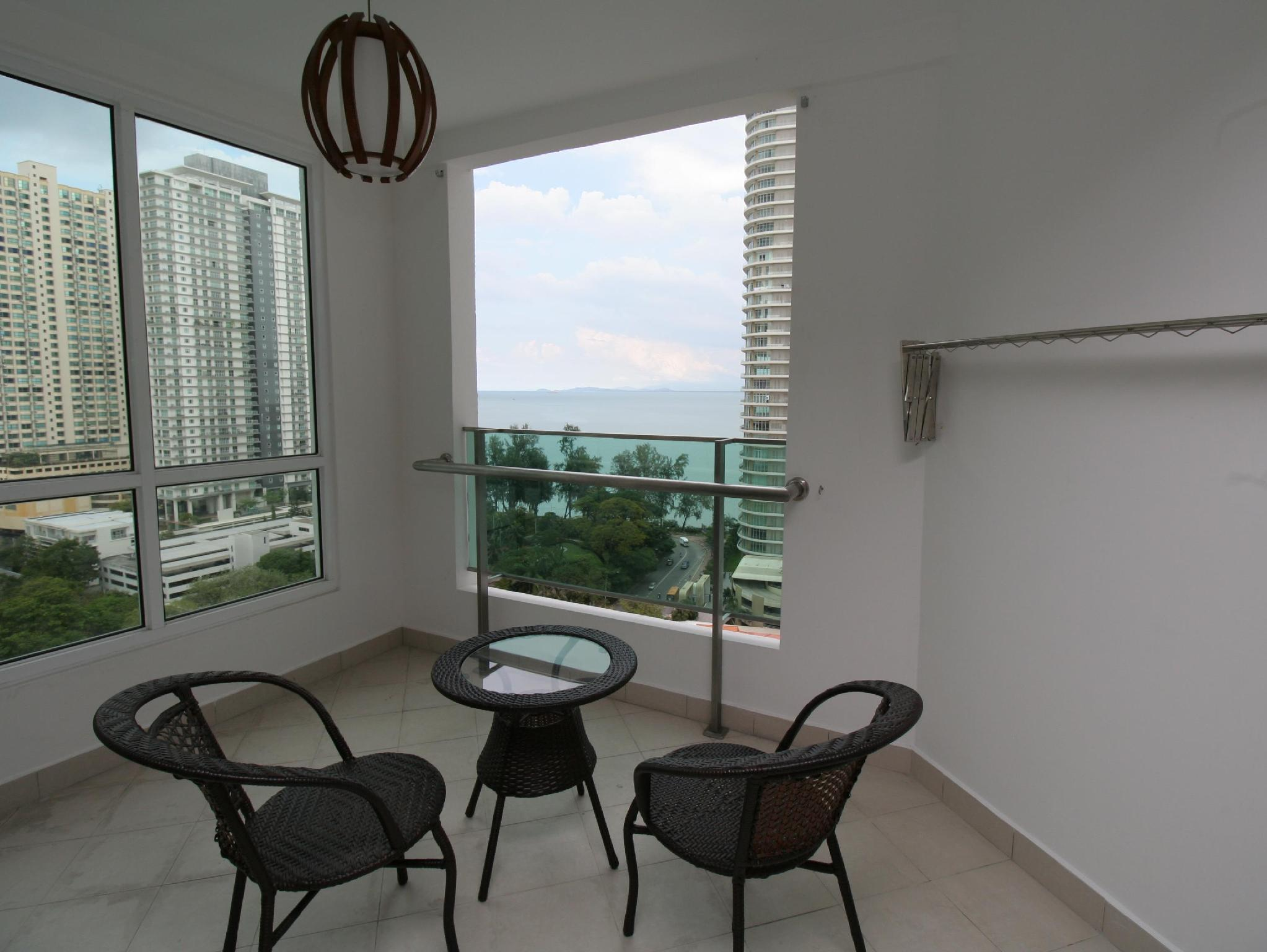 Home-Suites - Gurney Seaview Apt. Penang - Hotels and Accommodation in Malaysia, Asia