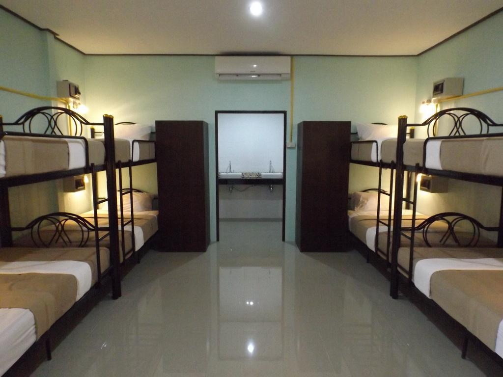 Lanta Long Beach Hostels - Hotels and Accommodation in Thailand, Asia