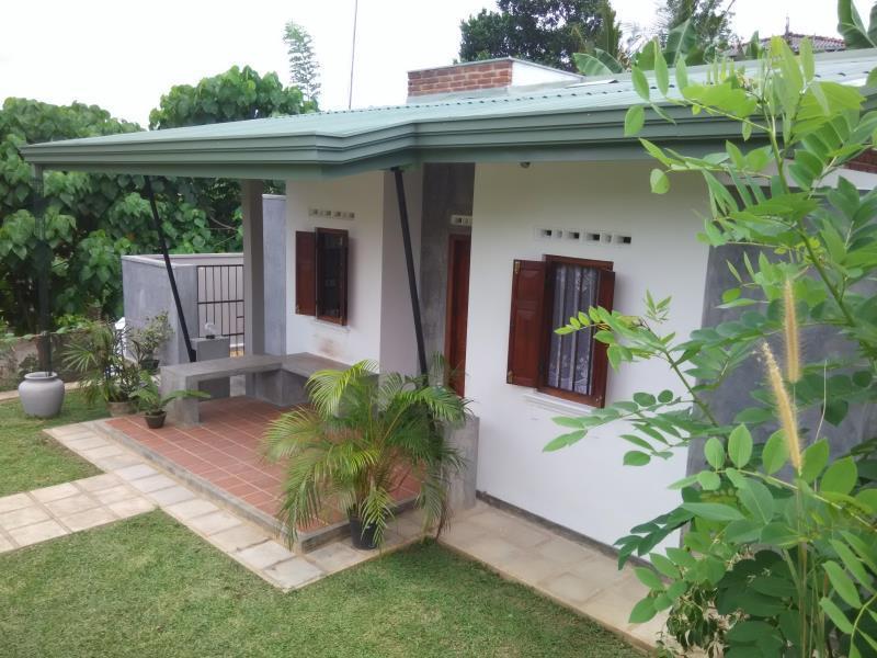 Vacation Home 44 Karapitiya - Hotels and Accommodation in Sri Lanka, Asia