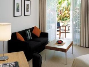 Shangri-la Marina Hotel - Room type photo