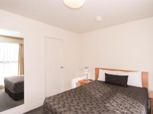 The Old Woolstore Apartment Hotel Hobart - Two Bedroom Apartment - main bedroom