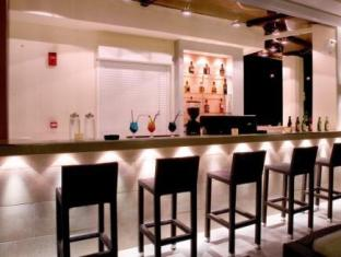Crystal City Hotel Atena - Pub/salon