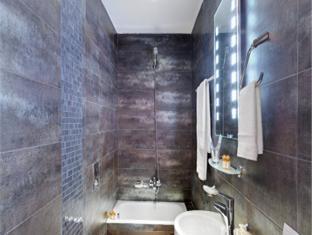 Phidias Piraeus Hotel Athens - Bathroom