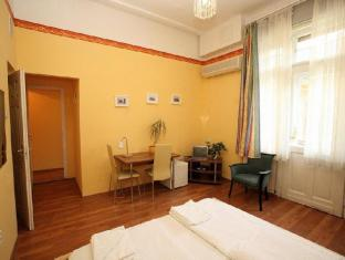 Club Apartments & Rooms Budapest - Guest Room