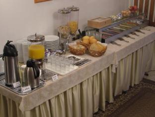 Apartment Helios Budapest - Buffet breakfast