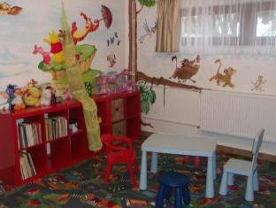 Apartment Helios Budapest - Kid's club