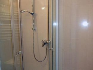 Hotel Papillon Budapest - Bathroom