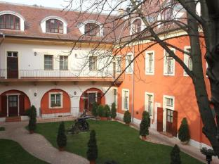 St. George Residence All Suite Hotel DeLuxe Budapest - Exterior
