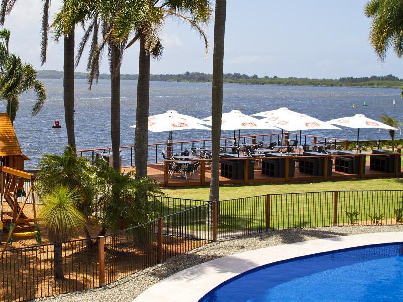 Waters Edge Port Macquarie Hotel - Hotell och Boende i Australien , Port Macquarie