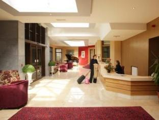 Downhill House Hotel And Eagles Leisure Centre Ballina - Lobby