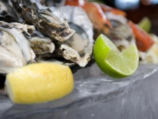 Novotel Ellerslie Hotel Auckland - Seafood Buffet
