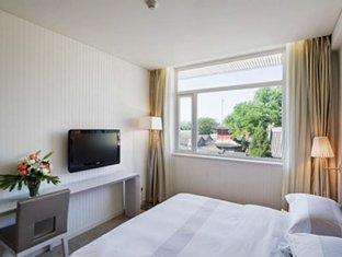 Lotus Place Hotel - Room type photo
