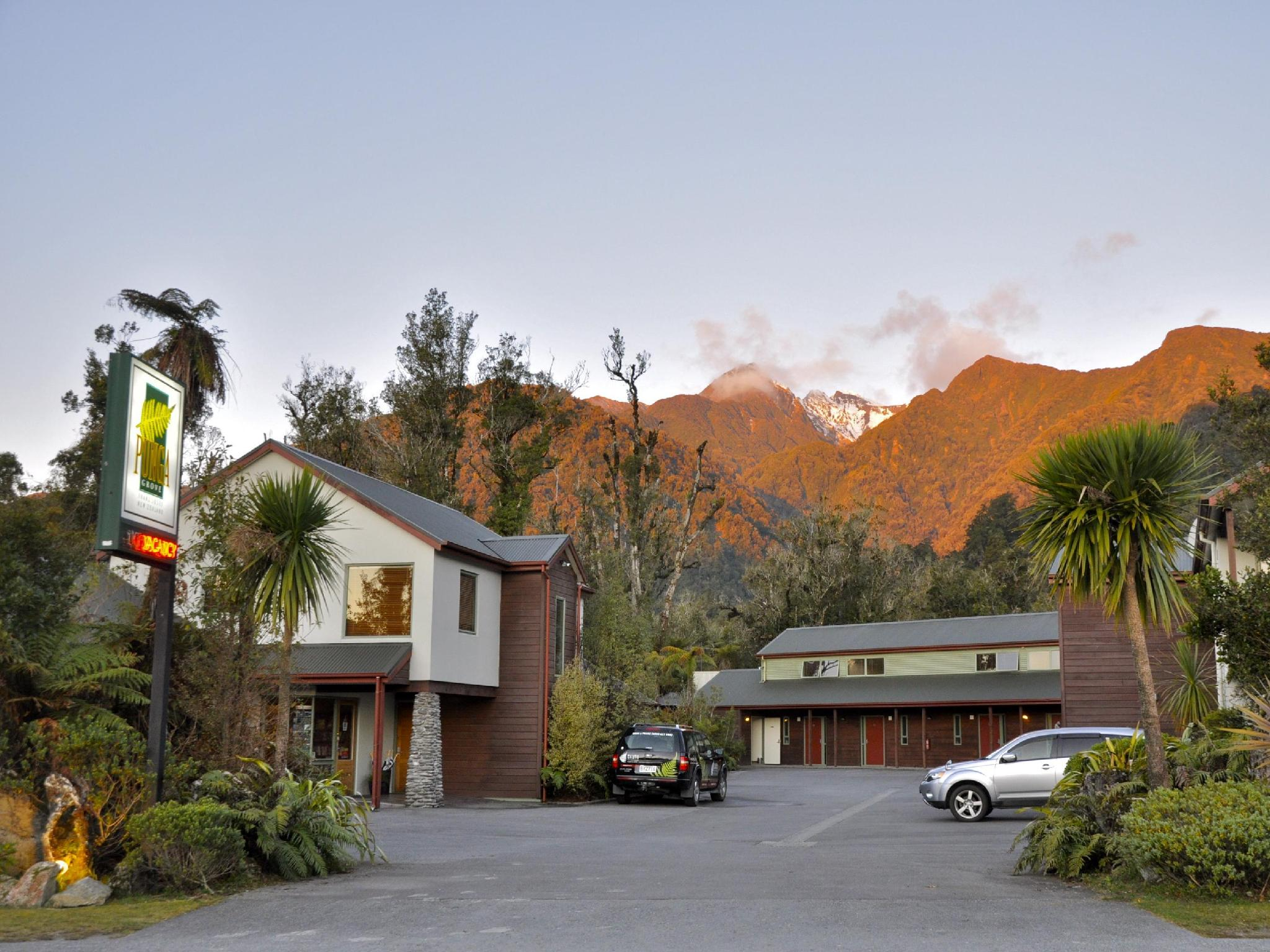 Punga Grove Hotel - Franz Josef Glacier