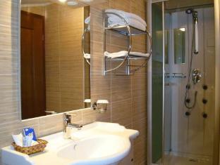 El Greco Hotel Bucharest - Bathroom