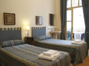 Bed and Breakfast Fashion House Barcelona - Guest Room